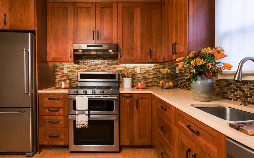 kuchnia zbrązowego drewna