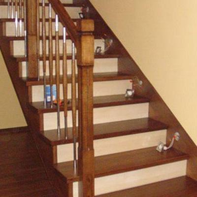 Drewniane schody 96