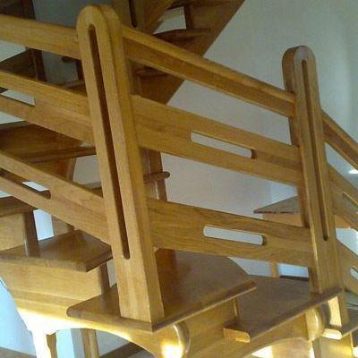 Drewniane schody 79