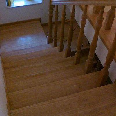 Drewniane schody 76