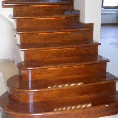 Drewniane schody 68