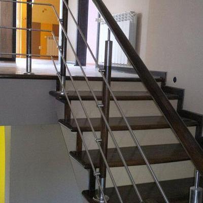 Drewniane schody 67