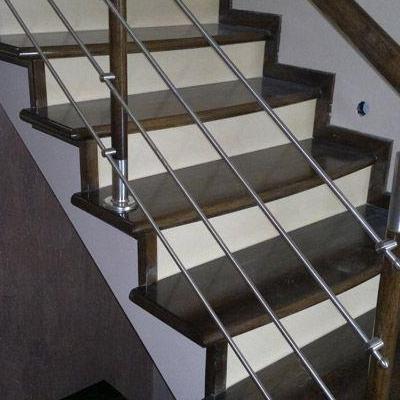 Drewniane schody 66