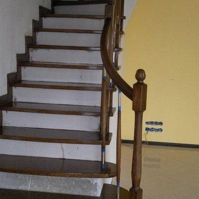 Drewniane schody 64