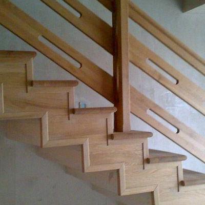 Drewniane schody 50