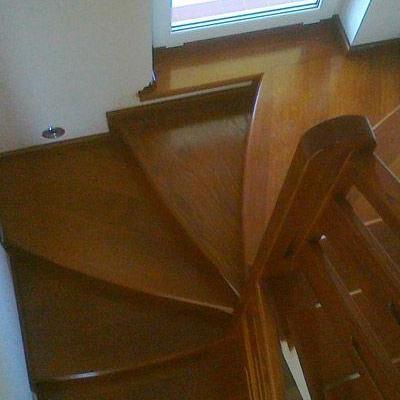Drewniane schody 45
