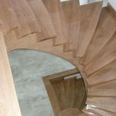 Drewniane schody 32